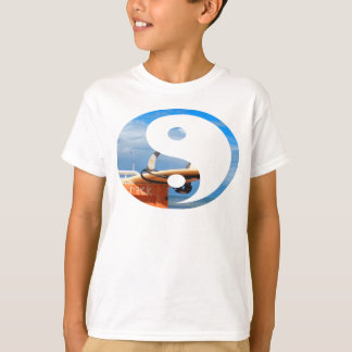 Surf surfboard rack surfing blue white clouds T-Shirt