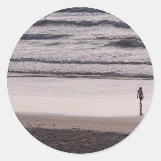 Surf walk classic round sticker