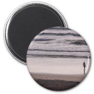 Surf walk magnet