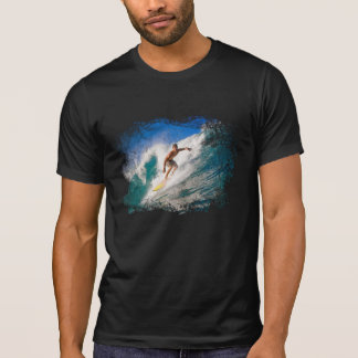 SURFER RIDING A BREAKING WAVE. T-Shirt
