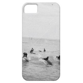 Surfers on Waikiki Beach, Hawaii, 1920s Photo iPhone SE/5/5s Case