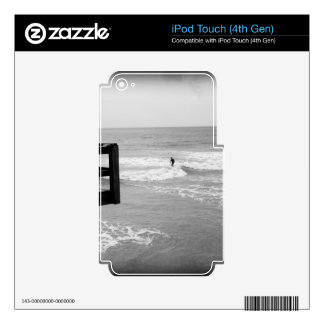 Surfing By The Pier 2 iPod Touch 4G Skins