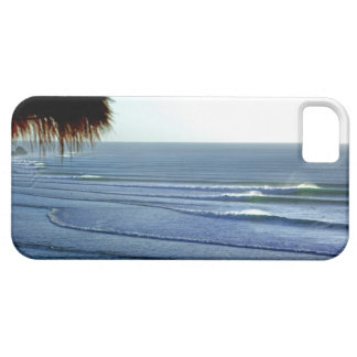 Surfing Waves Breaking in Bali iphone iPhone SE/5/5s Case
