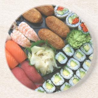 Surtido de favoritos japoneses del sushi posavaso para bebida