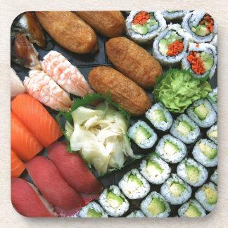 Surtido de favoritos japoneses del sushi posavasos de bebida