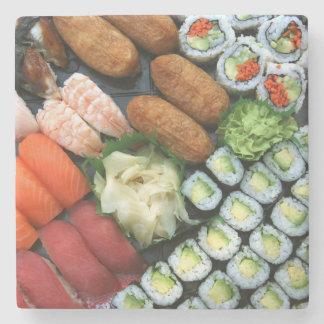 Surtido de favoritos japoneses del sushi posavasos de piedra