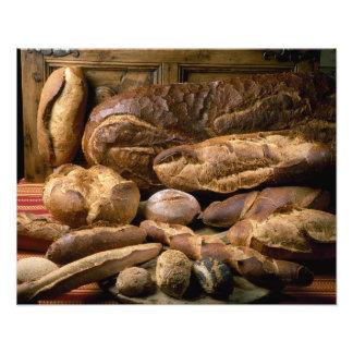 Surtido de panes del estilo rural para el uso aden cojinete