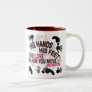 Sus manos taza de dos tonos