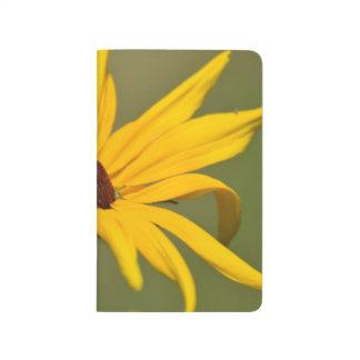 Susan observada negro floreciente cuaderno grapado