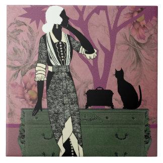 Susana y gato, moda del vintage en lila y verde azulejo cuadrado grande