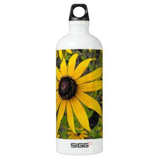 Susans observado negro botella de agua