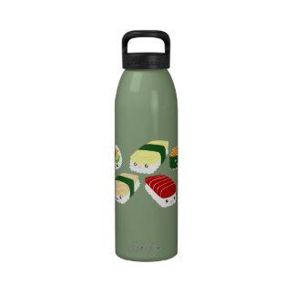 Sushi de Kawaii con la botella de la libertad de l Botellas De Beber