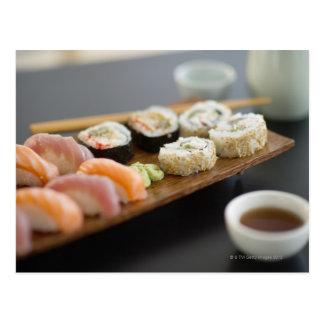 Sushi japonés tradicional tarjeta postal