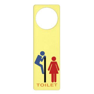 suspensión de puerta chistosa del retrete amarillo colgador para puerta