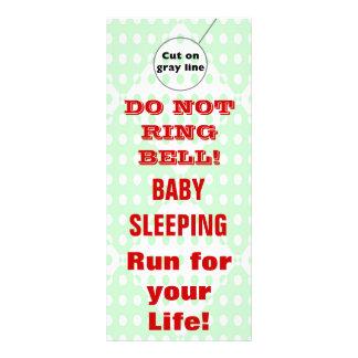 Suspensiones de puerta chistosas del bebé el dormi tarjeta publicitaria a todo color