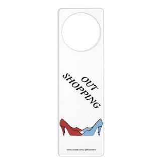 Suspensiones de puerta de los zapatos hacia fuera colgante para puerta