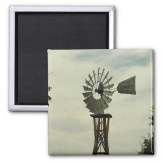 Susurros del molino de viento imán cuadrado