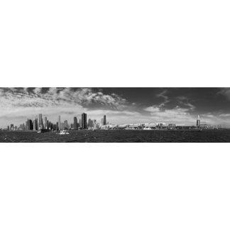 City - Chicago Skyline & The Navy Pier BW