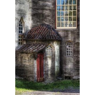 Castle - The hidden door in the back