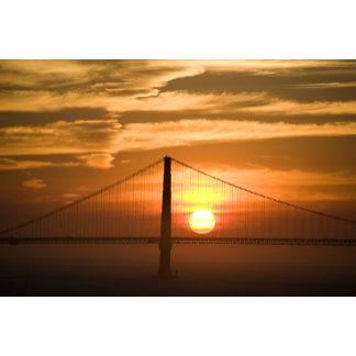USA. California. San Francisco. Sun setting