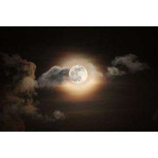 Full Moon in Cloudy Night