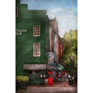 City - Bertha's and the Greene Turlte