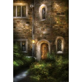 Castle - Enter if you Dare
