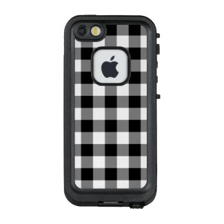 Bold Black and White Gingham Plaid LifeProof® FRĒ® iPhone 5 Case