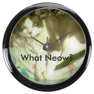 Snowshoe What Neow? Kitty Aquarium Clock