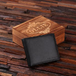 "Etched Box & Black Script Men's Leather Wallet<br><div class=""desc"">Classic leather men's leather wallet,  available in brown and black,  with wood gift box. Crafted from genuine cow leather,  these make the perfect groomsmen gift,  father's day gift or boyfriend gift.</div>"
