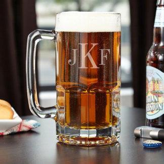 Taza de cerveza con monograma colosal