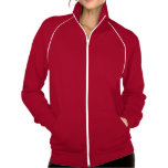 """<p>La popular chaqueta deportiva de forro polar californiano de American Apparel es extragruesa para mantener mejor el calor, a la vez que transpirable.  Esta chaqueta, confeccionada al 100% con algodón extrasuave hilado en anillos, es la opción más cómoda para salir a andar, correr o simplemente para disfrutar del aire libre. Además, puedes personalizarlos a tu estilo.</p> <p>Talla y estilo</p><ul> <li>Altura del modelo: 5'10"""". Lleva la talla mediana.</li> <li>Estilo ajustado.</li> <li>Prenda unisex. Las mujeres pueden pedir una talla menor.</li> </ul> <p>Material y cuidados</p> <ul> <li>Forro polar californiano 100% algodón.</li> <li>Diseño con mangas de ranglán y bolsillo frontal.</li> <li>Ribetes y cremallera de nailon en contraste en blanco (la cremallera cierra hasta la parte superior del cuello).</li> <li>Fabricada en EE. UU.</li> <li>Lavable a máquina en frío.</li> </ul>"""