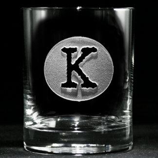 Vidrios cones monograma del whisky de la