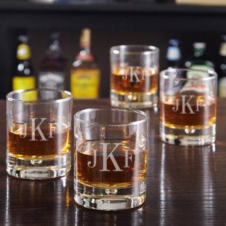 Vidrios clásicos del whisky del monograma de