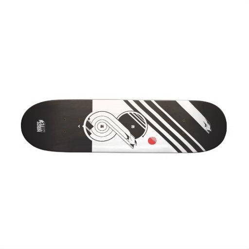 Swallow tail skate deck