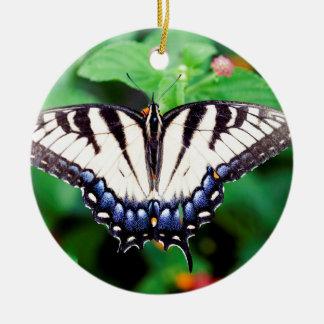 Swallowtail amarillo adorno navideño redondo de cerámica