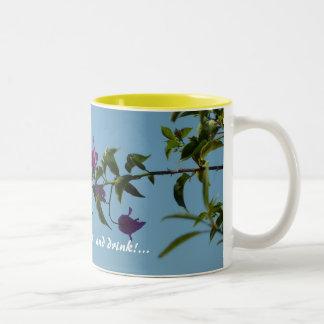 Swallowtail en bougainvillea taza de café