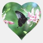 Swallowtail negro (2) calcomanía de corazón personalizadas