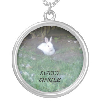 Sweet and Single Round Pendant Necklace