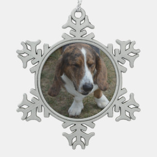 Sweet Basset Hound Snowflake Pewter Christmas Ornament