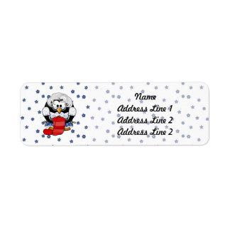 Sweet Cartoon Grandma Penguin with Flower Pattern Label