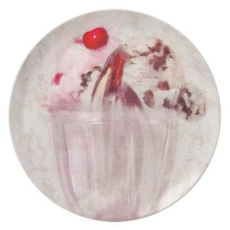 Sweet - Ice Cream - Ice cream sundae Dinner Plate