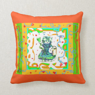 SWEET LITTLE CLEANING KITTY DECORATIVE VINTAGE THROW PILLOW