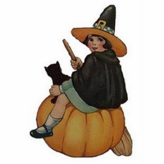 Sweet Little Witch Statuette