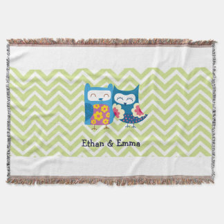 Sweet Owl Lovers Pair on Chevron Background Throw Blanket