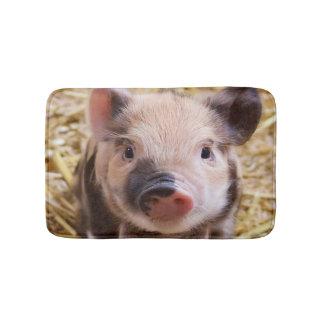 Sweet piglet bathroom mat