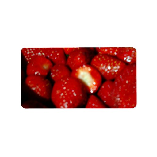 Sweet strawberries in the grocery address label