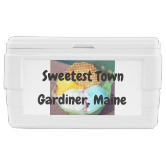 """Sweetest Town"" Design For Gardiner, Maine Chest Cooler"