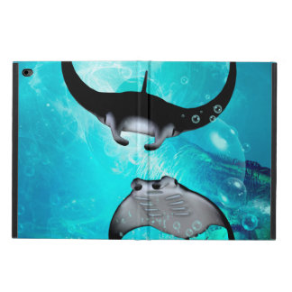 Swimming manta  rays i powis iPad air 2 case