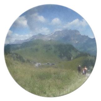 Swiss Plate - Walking down to Bretayes